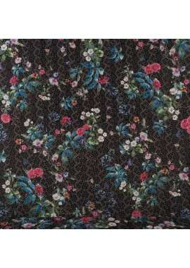 Estampado flores fondo negro bordado