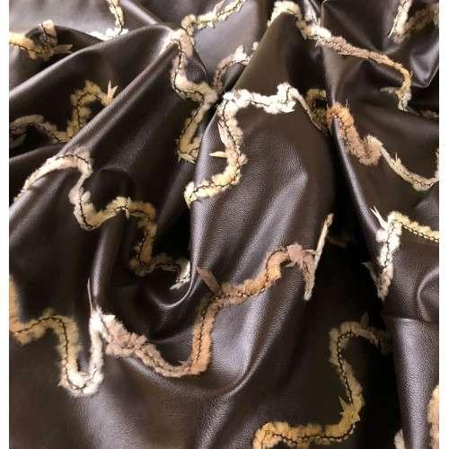 Polipiel bordada marrón